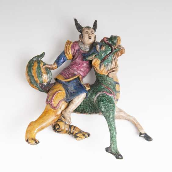Chinese terracotta sculpture 'tab on mythical creatures' - photo 1