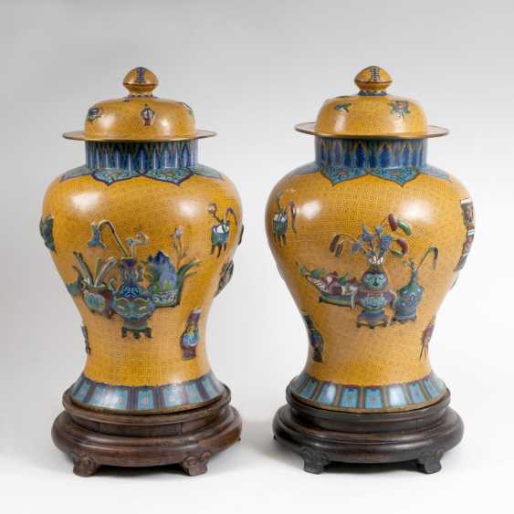Pair of very large Cloisonne vases - photo 1