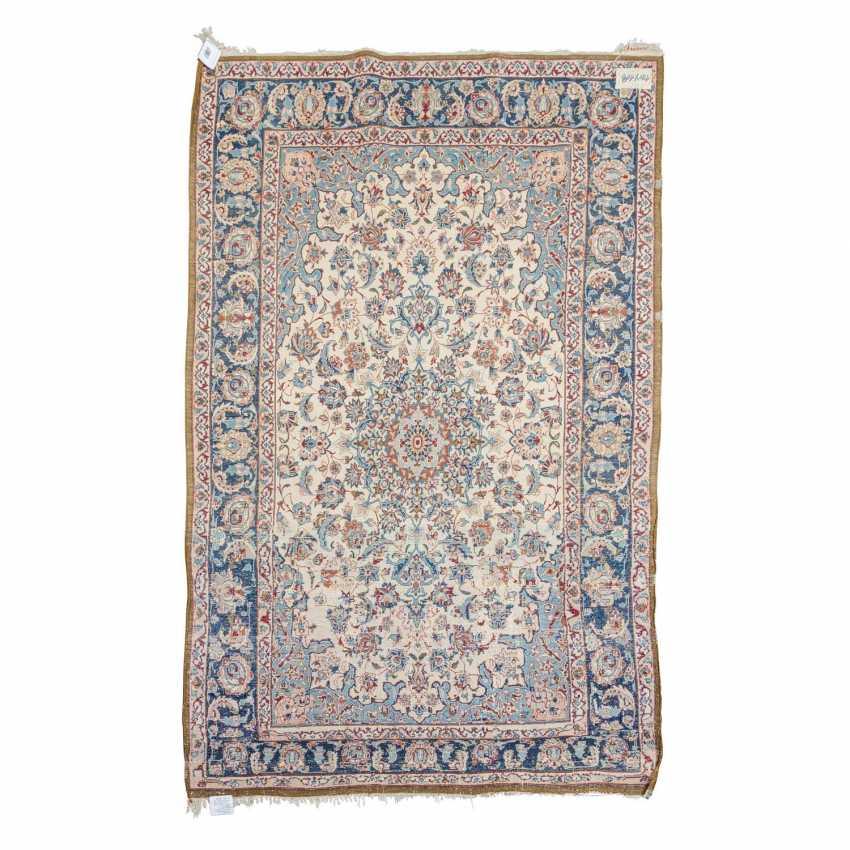 Oriental carpet. ISFAHAN / PERSIA, 20th century, 170x108 cm. - photo 2