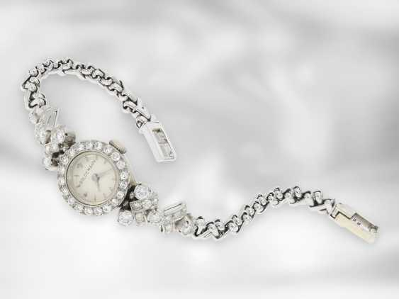 Wrist watch: decorative, unusual and high-quality crafted vintage ladies watch with rich brilliants / diamonds, approx. 2 ct, 18K white gold, 50s / 60s - photo 1