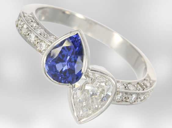 Ring: beautiful and extremely high quality gold wrought ring with valuable sapphire and diamond drops, handcrafted from 18K white gold, court jeweler Roesner, NP 22.400DM - photo 1