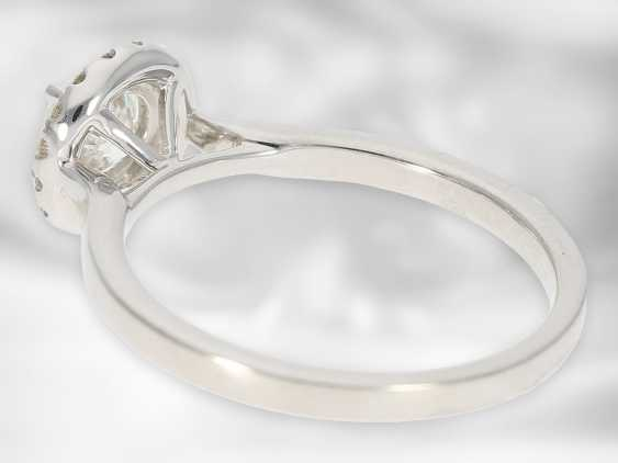 Ring: valuable diamond / solitaire ring made of 14K white gold, center stone approx. 0.75ct, as good as new, court jeweler Roesner NP 7,150 € - photo 2