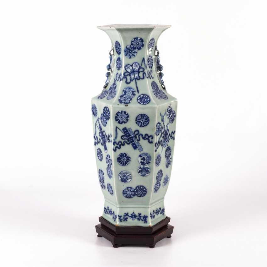 Large six-pass porcelain vase on a wooden base - photo 1