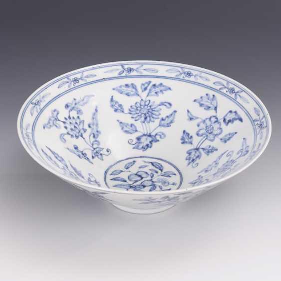 Conical bowl in underglaze blue - photo 1
