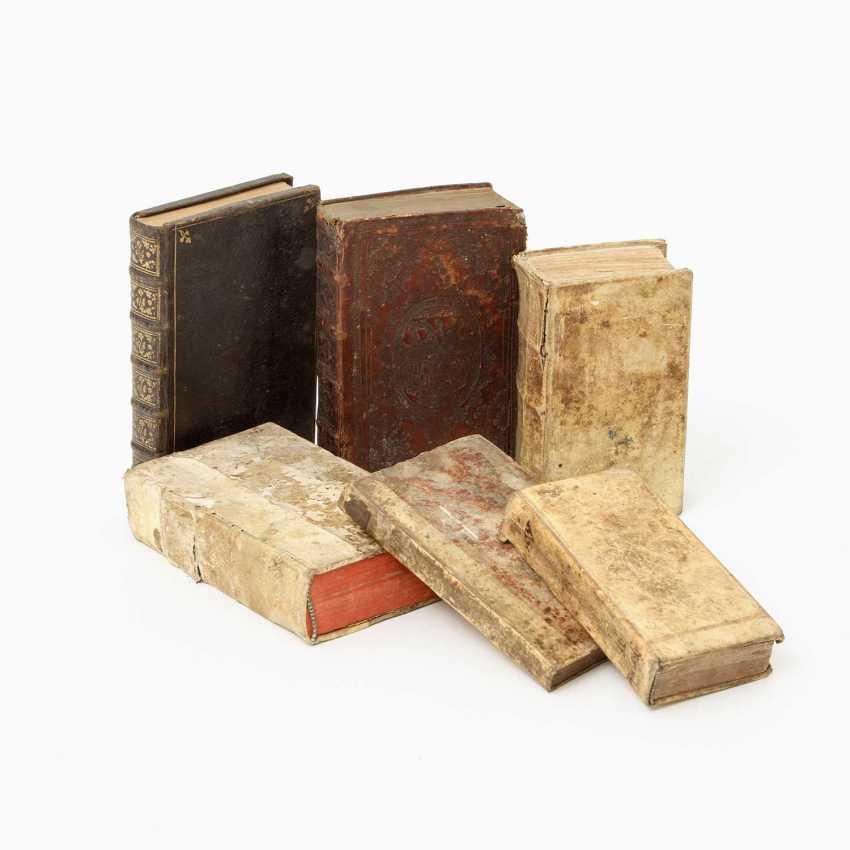 "6-piece collection of religious writings, 17. /18. Century, for example, 1 x, Andreas Leuckart / Franciso Nepven, ""Conside; - photo 1"
