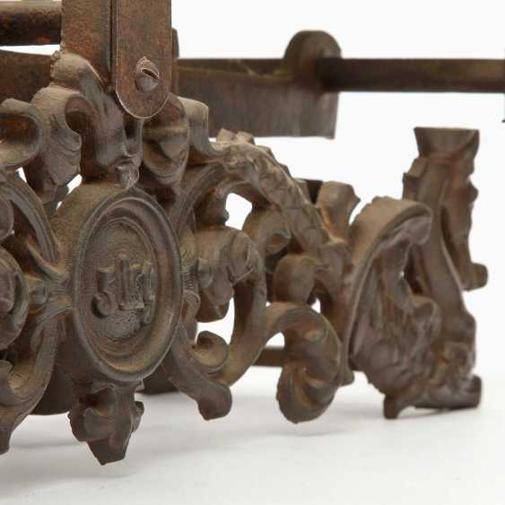 Pair of richly decorated bench scales, probably Germany, - photo 2