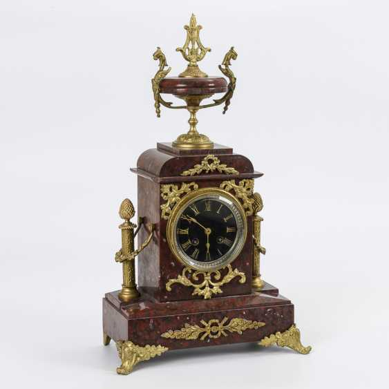 Red marble mantel clock - photo 1