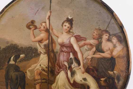 Painted lacquer box with Diana - photo 2