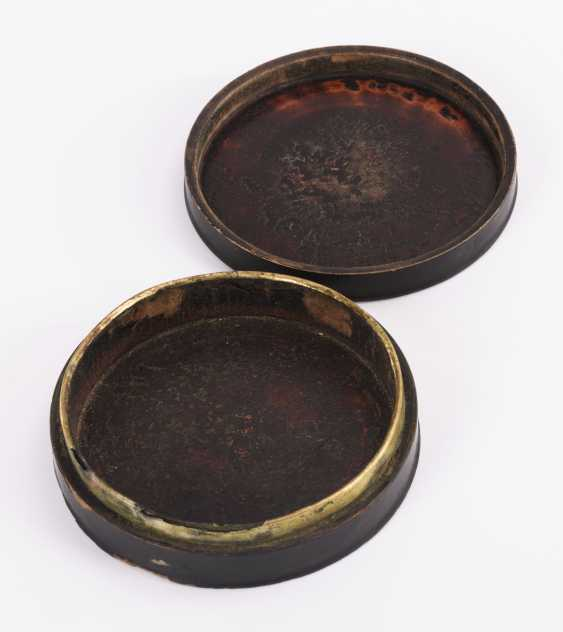 Painted lacquer box with Diana - photo 3