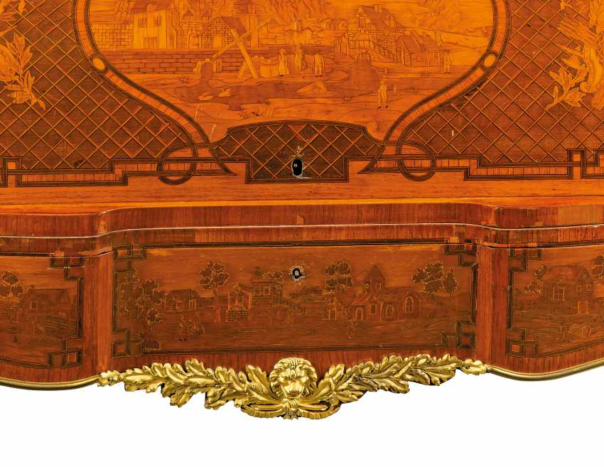 A FRENCH ORMOLU-MOUNTED ROSEWOOD, KINGWOOD, TULIPWOOD AND FRUITWOOD MARQUETRY BUREAU A CYLINDRE - photo 6