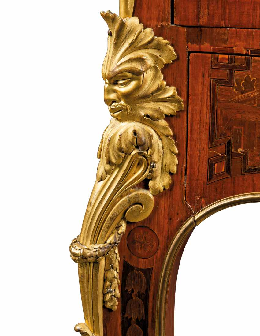 A FRENCH ORMOLU-MOUNTED ROSEWOOD, KINGWOOD, TULIPWOOD AND FRUITWOOD MARQUETRY BUREAU A CYLINDRE - photo 7