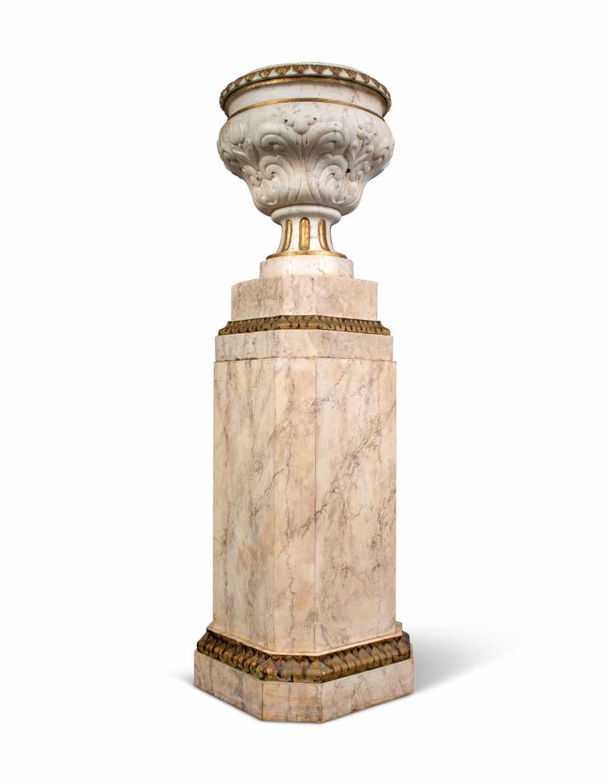 A PAIR OF GREY-VEINED WHITE MARBLE URNS - photo 6