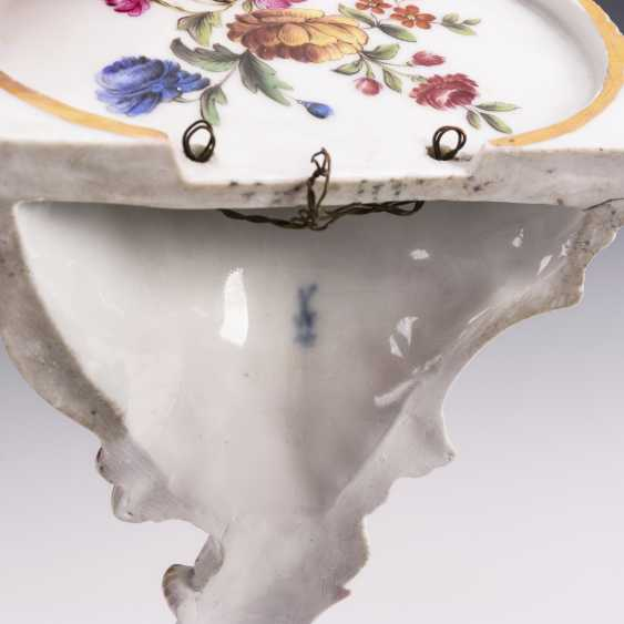 Console with flower painting - photo 3