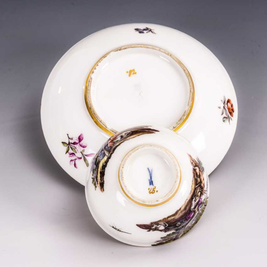Cup and saucer with hunting motif and tree motif - photo 4