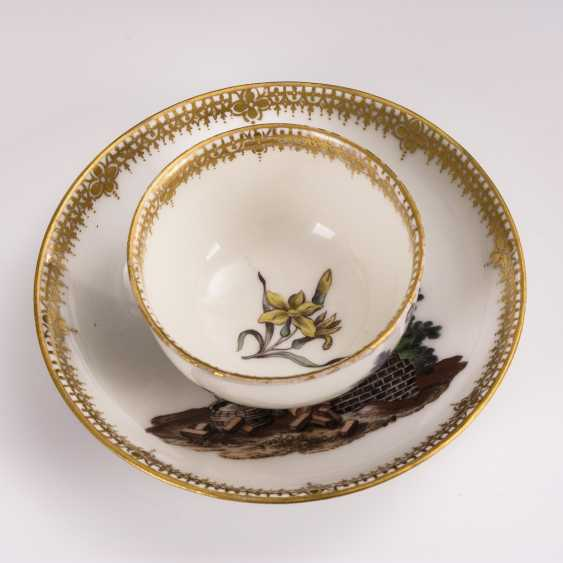 Cup and saucer with hunting motif and tree motif - photo 6