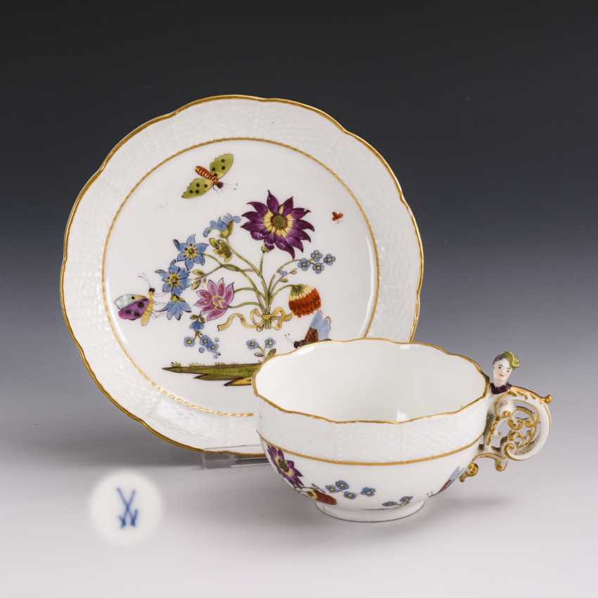 Baroque cup with kakiemon painting and woman's head handle - photo 1