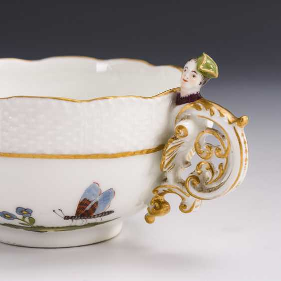 Baroque cup with kakiemon painting and woman's head handle - photo 3