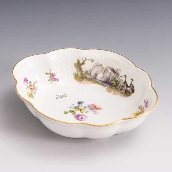 Baroque bowl with poultry painting - photo 1