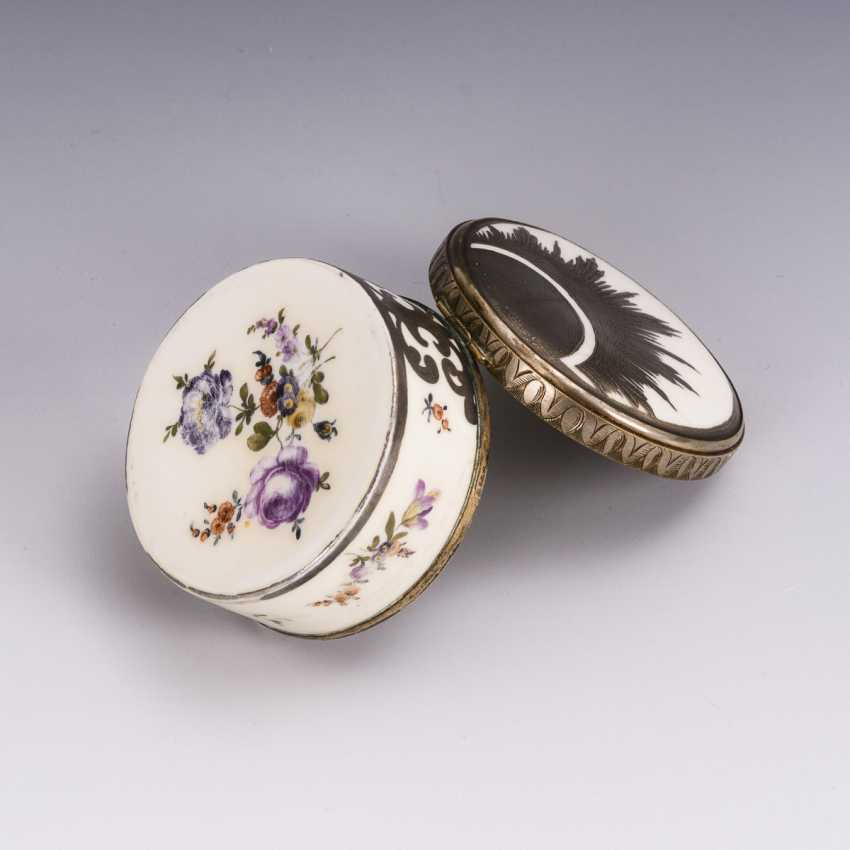 Box with silver painting - photo 3