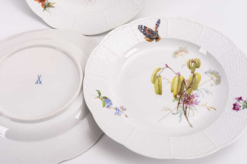 6 dinner plates with soft painting - photo 2