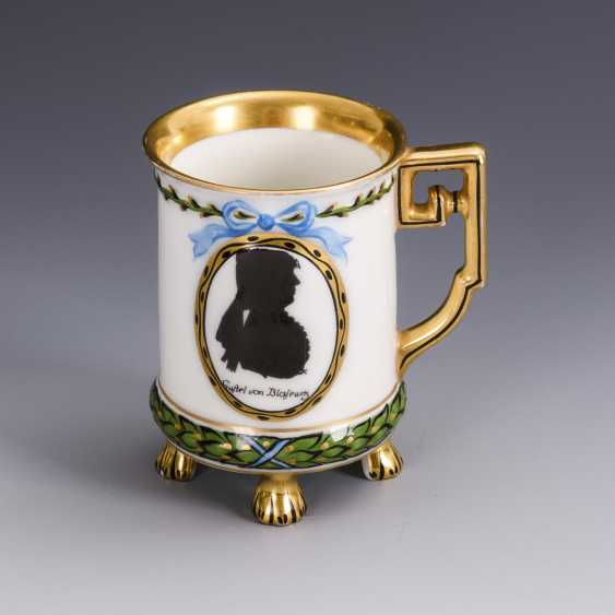 Mug with silhouette painting - photo 1
