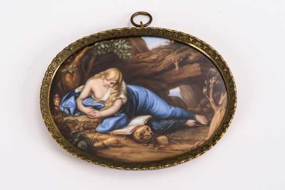 Small porcelain painting: Saint Magdalena - photo 1