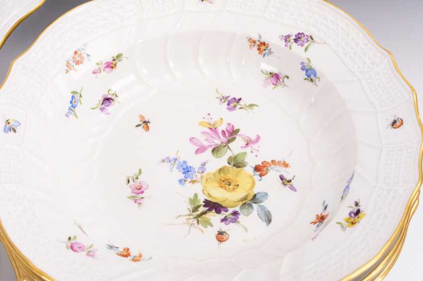 Dinner service with painting of flowers and insects - photo 3