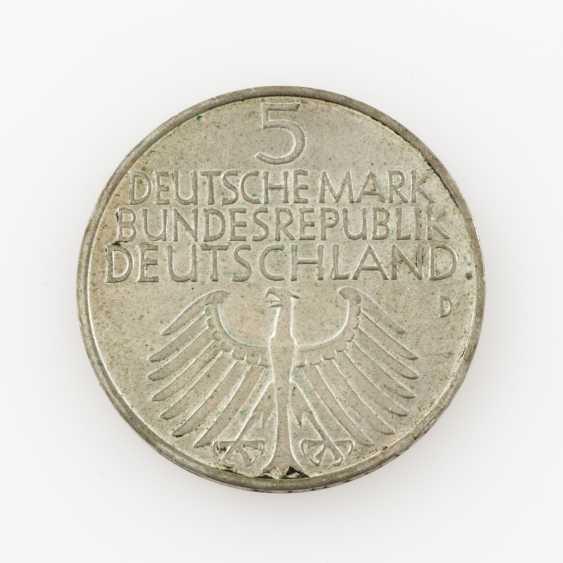BRD 5 DM 1952 /D, Germanisches Museum, ss-vz, pad, verdigris, - photo 2