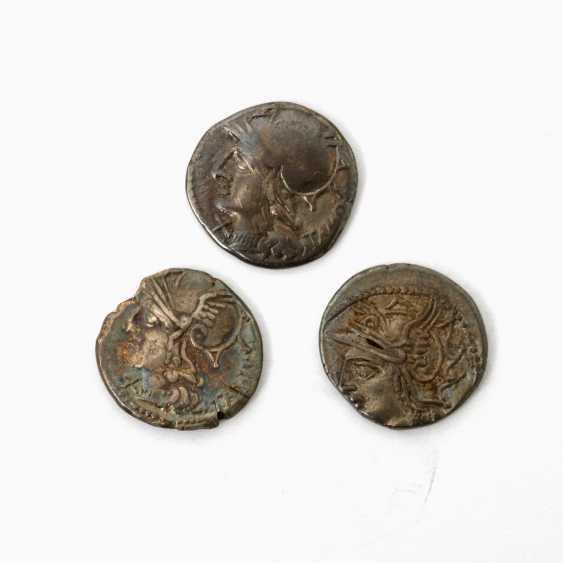 "3 Antiquity der "" Praise. Republic /Silber - 1 x "" Praise. Republic Denarius 104 v.Chr., - photo 1"