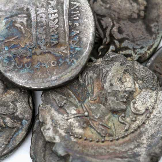 Interesting 6-piece collection of Ancient to the Romans. Republic /silver included 1 x denarius, 46 BC, Rome, Titus Carisius, - photo 3