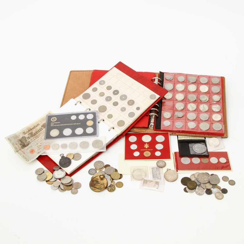 Colorful collection of coins and medals, with SILVER - BRD 5 x 10 DM, 17 x 5 DM, - photo 1