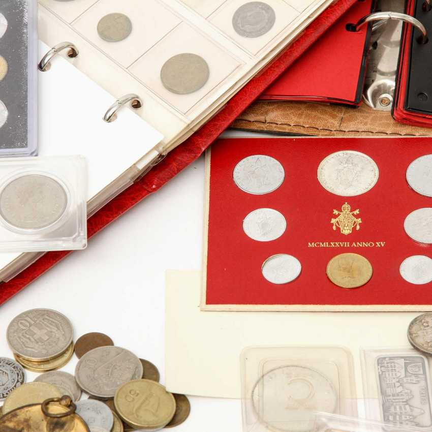 Colorful collection of coins and medals, with SILVER - BRD 5 x 10 DM, 17 x 5 DM, - photo 2