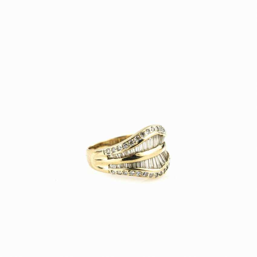 Ladies ring in a curved shape - photo 2