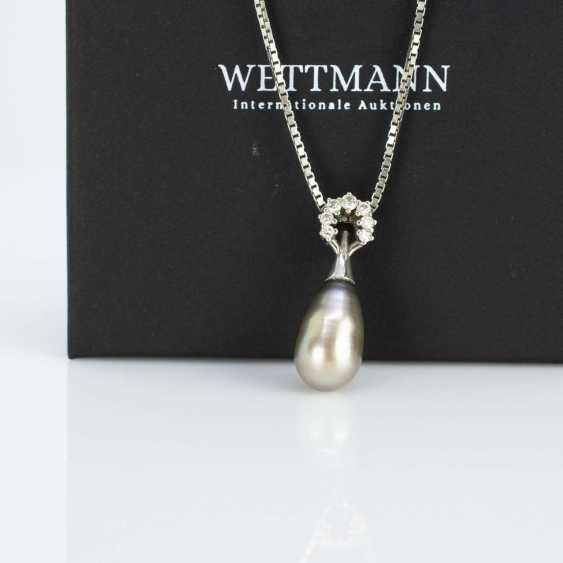 Necklace with a pearl pendant - photo 2