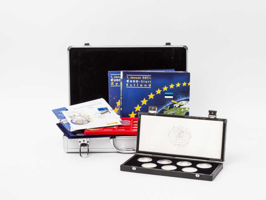 Pack with aluminium coin case and Other, - photo 1
