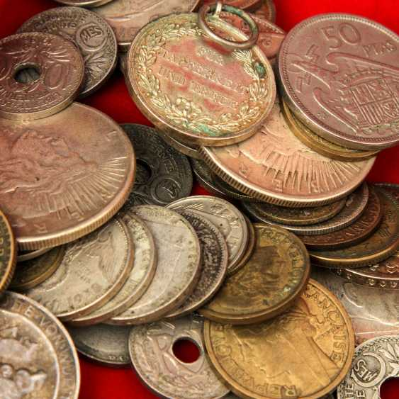 Motley collection of coins and medals, with Gold and silver - photo 5