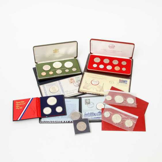 Compilation of different Commemorative coins, - photo 1