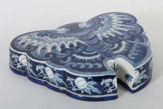 Lidded box as a butterfly China - photo 2