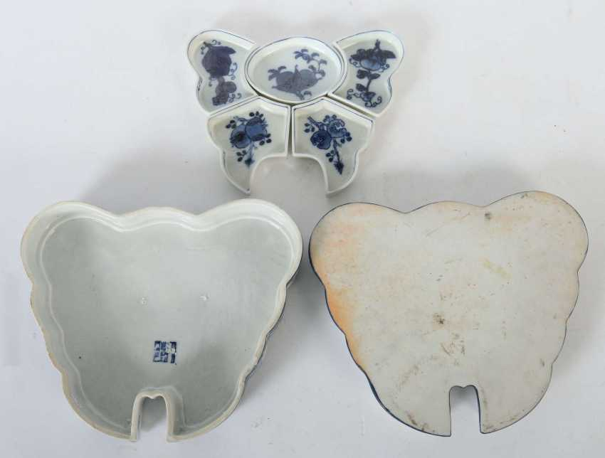 Lidded box as a butterfly China - photo 4
