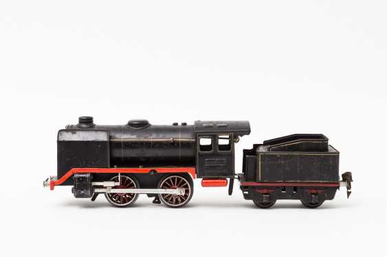 MARKLIN clockwork steam locomotive R 910, on track 0, 1938-1955, - photo 1