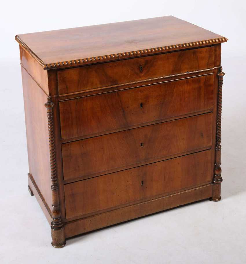 Louis Philippe four-drawer chest of drawers around 1850 - photo 2