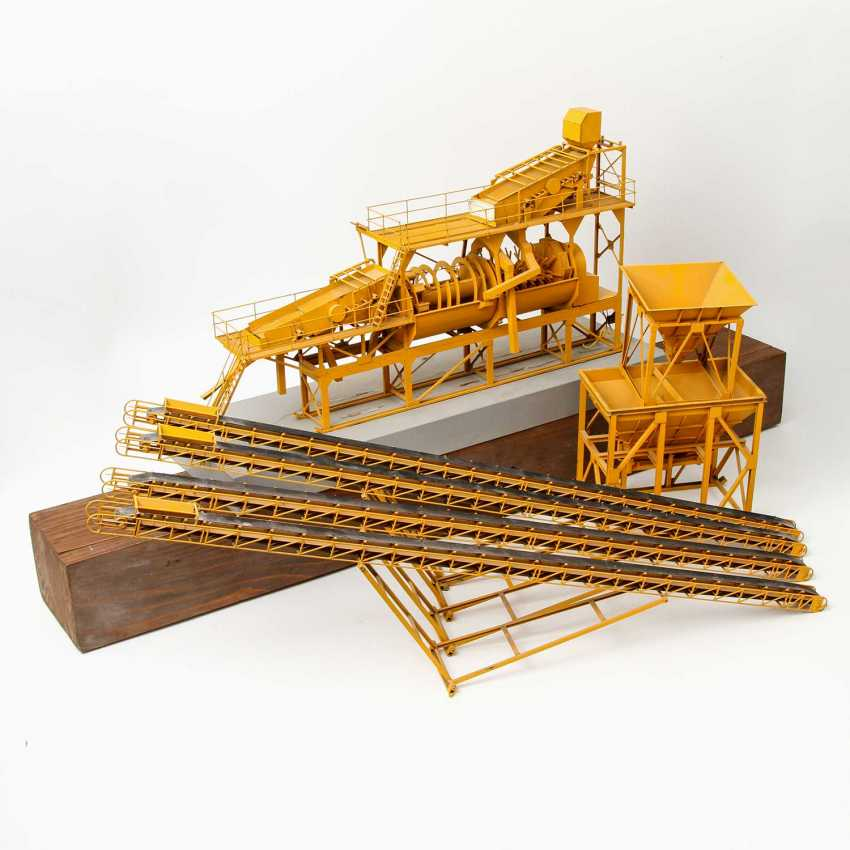Large MODEL of A gravel processing plant, - photo 1