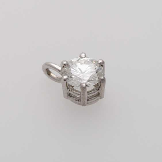 Small pendant with brilliant - photo 5