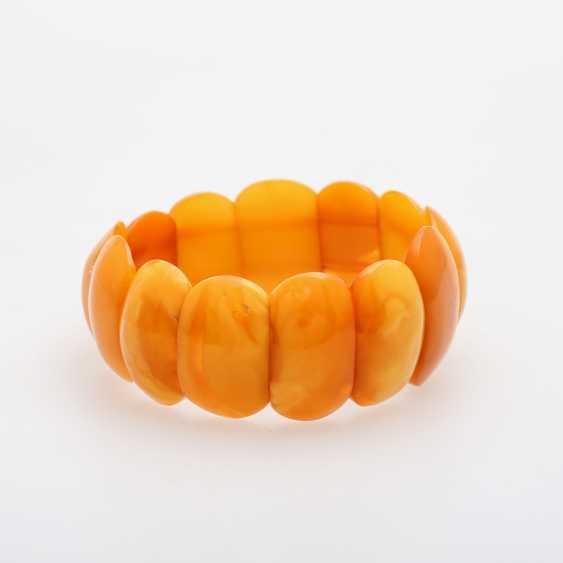 Bracelet made of bright amber elements - photo 1