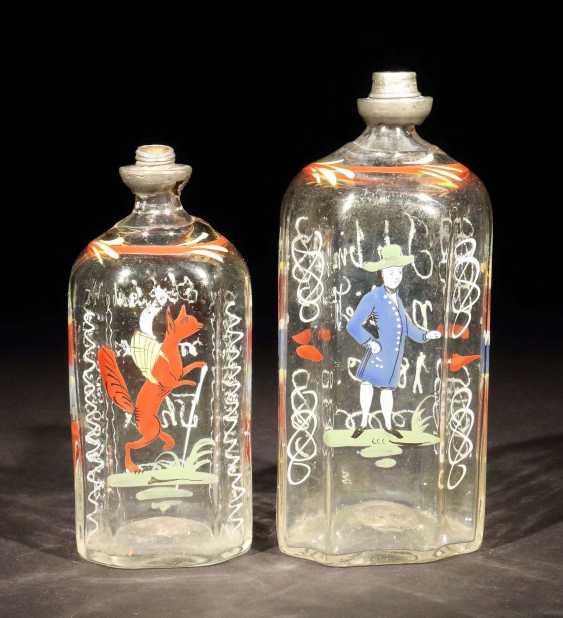 Zwei Schnapsflaschen Süddeutsch oder alpenländisch - photo 1