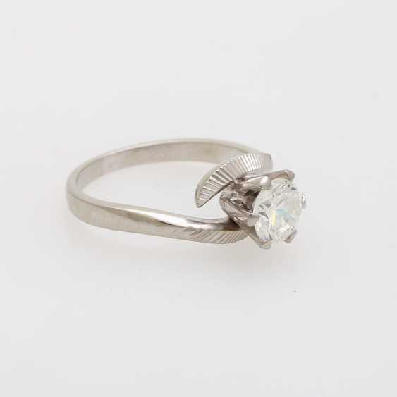 Solitaire ring with 1 diamond approximately 0.9 ct - photo 2