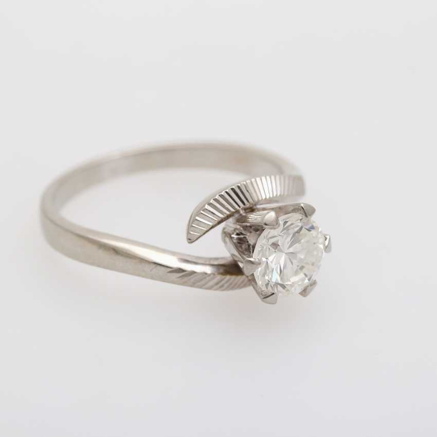 Solitaire ring with 1 diamond approximately 0.9 ct - photo 5