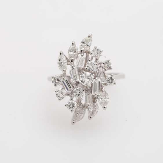 Ladies ring with diamonds - photo 1