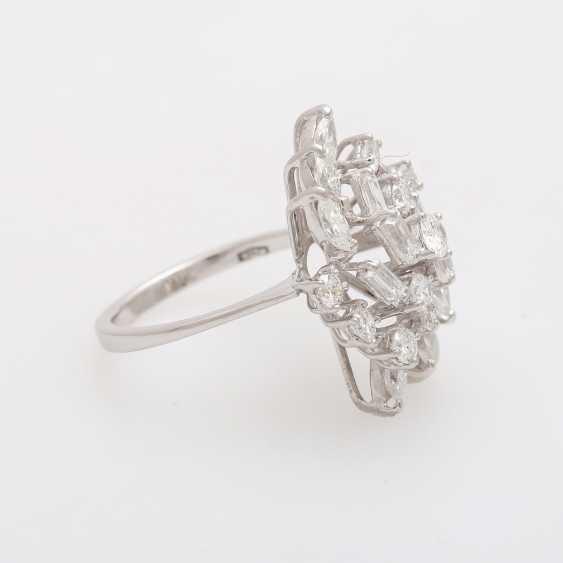 Ladies ring with diamonds - photo 2