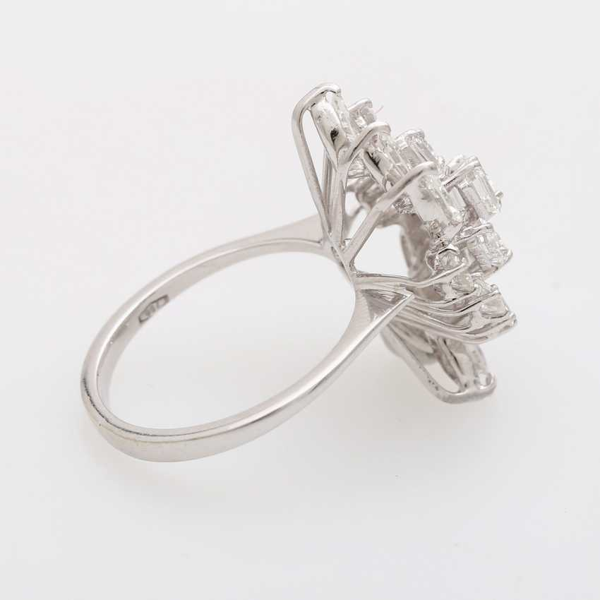Ladies ring with diamonds - photo 3